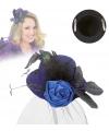 Kleine blauwe hoed met clip en sluier